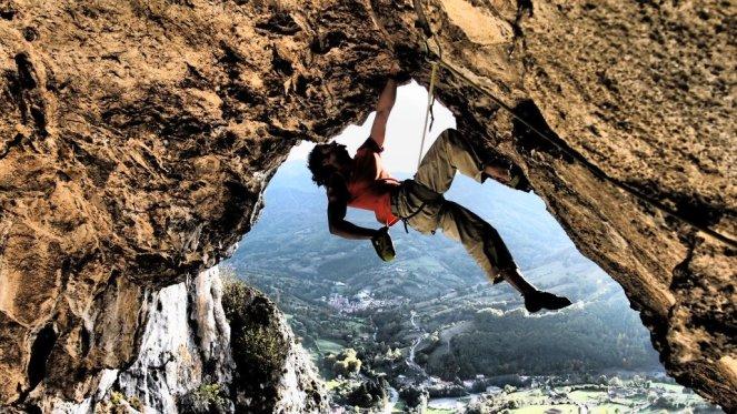elias-gonzalez-escalada-covachon-gradura-teverga-asturias
